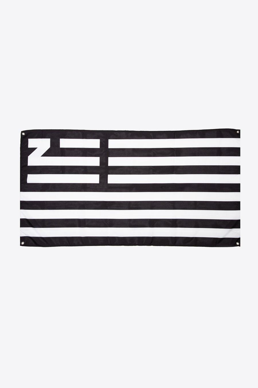 FLAG_900x